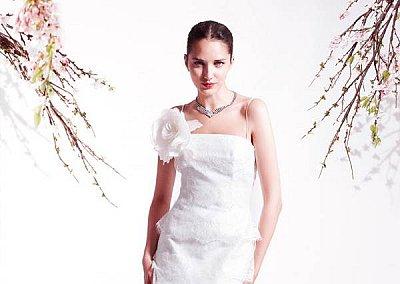 Свадебные платья весна-лето 2011 от  Blumarine