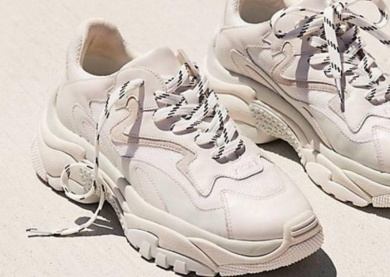 Папины кроссовки: с чем носить?