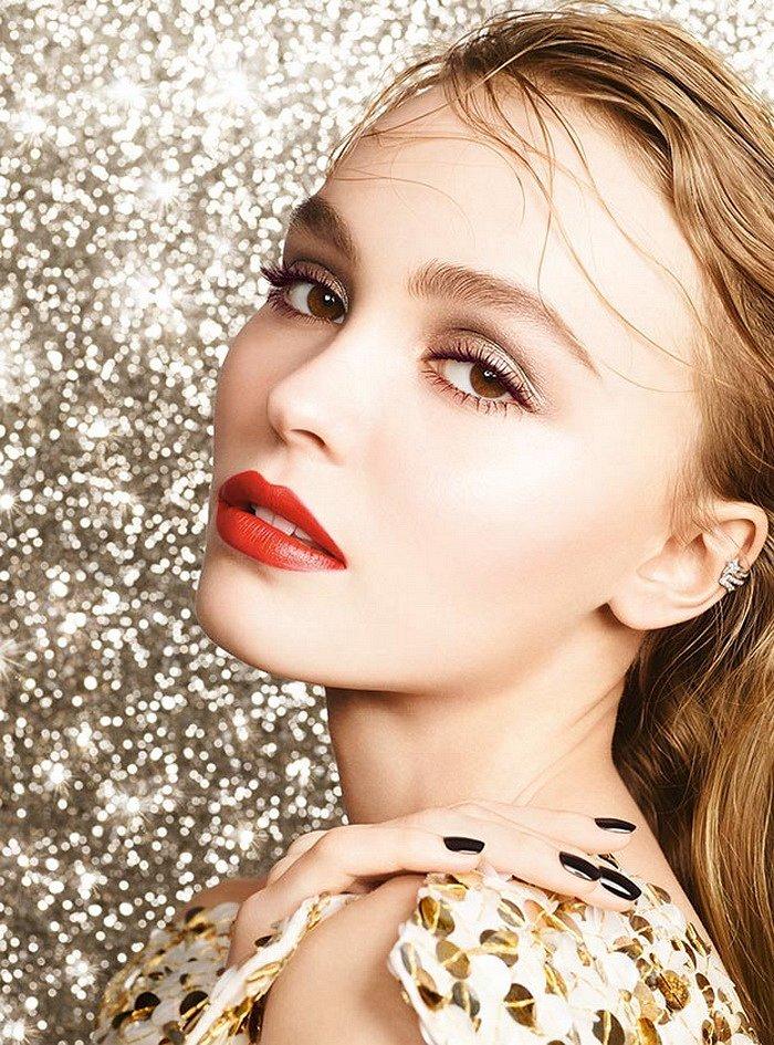 Рождественская коллекция макияжа Chanel Libre Numeros Rouge 2017 фото №1